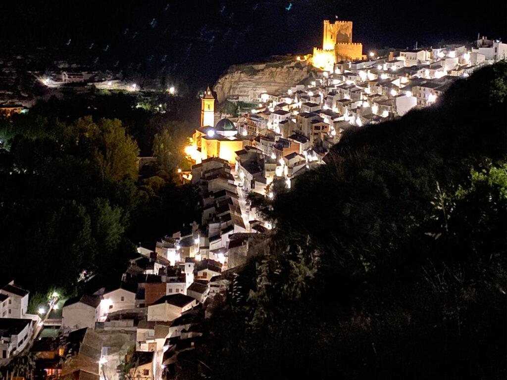 Vista Nocturna Alcalá del Júcar
